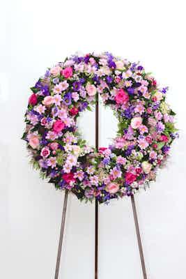 couronne fronton deposer livraison fleurs livrer fleuriste église