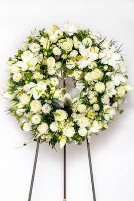 couronne blanche fleurs livraison deuil obsèques enterrement livrer deposer